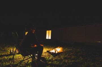 五島市で焚き火を楽しむ
